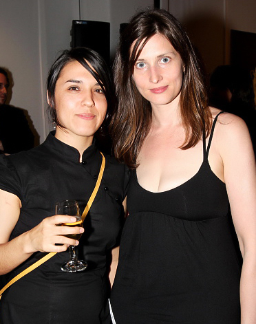 Amy Elkins (L) Cara Phillips (R) at the 2008 grant launch party, National Arts Club, NYC. Image via Getty Images