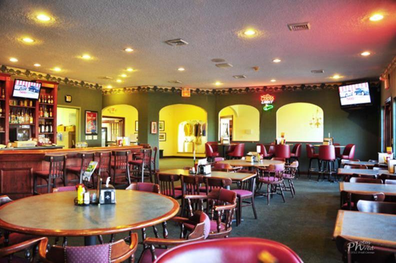 restaurant pic.jpg