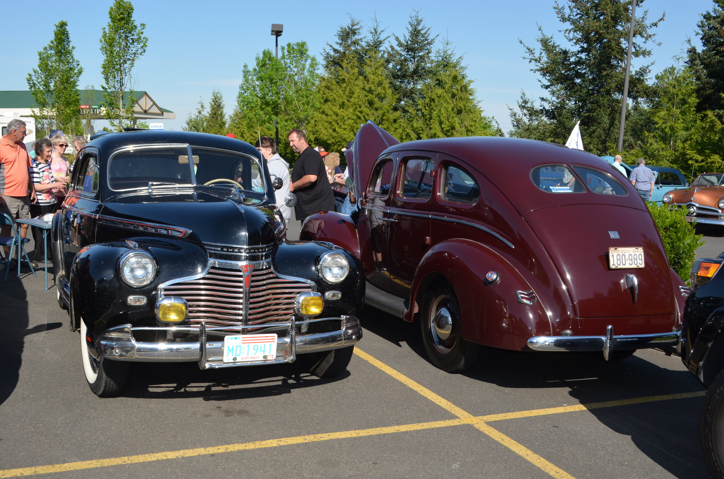 Front and back of vintage cars.JPG