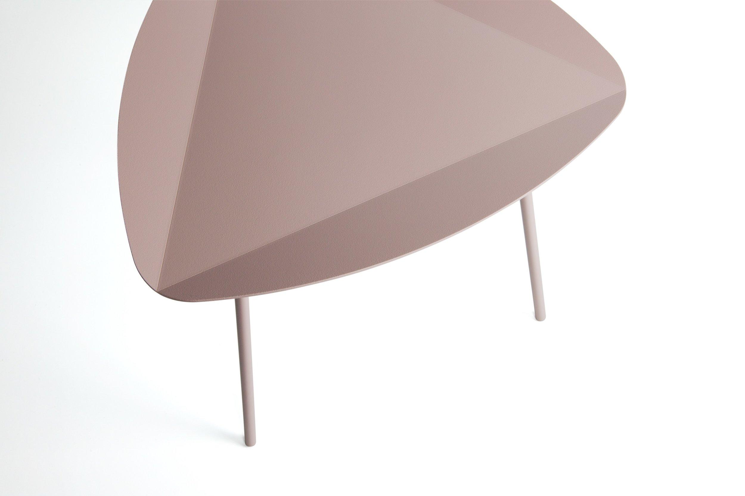 LEITO-Triangular-coffee-table-joval-238695-prel3837b855.jpg