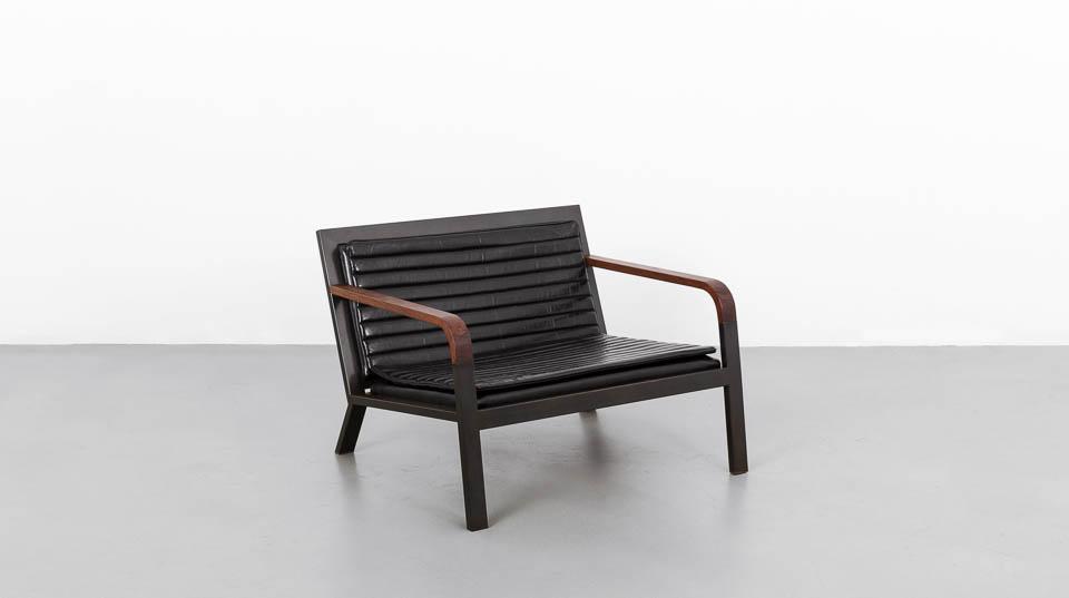 DK_Chair_01.jpg