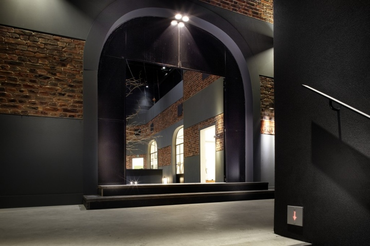 Modular-showroom-Roeselare-Belgium-02.jpg