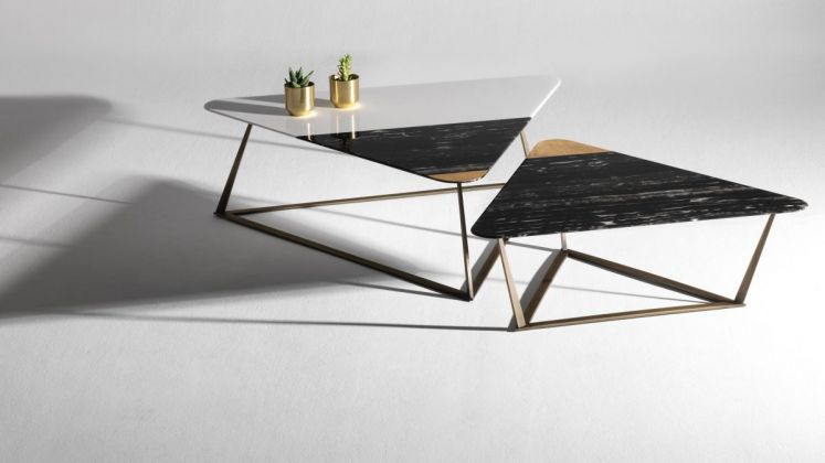 Golden Archer Coffee Tables / 118x104cm, H38cm and 96x85cm, H30cm / Marble Trays Port Black - White Thassos - Gold leaf, metal bases