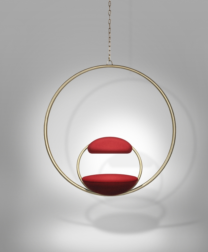 Hanging hoop chair brushed brass / Lee Broom, circular rings in steel and brass