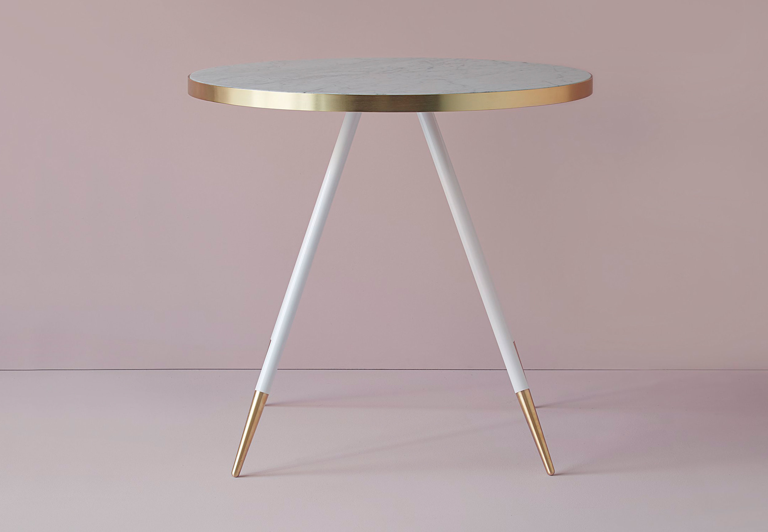 Band dining table / Bethan Gray