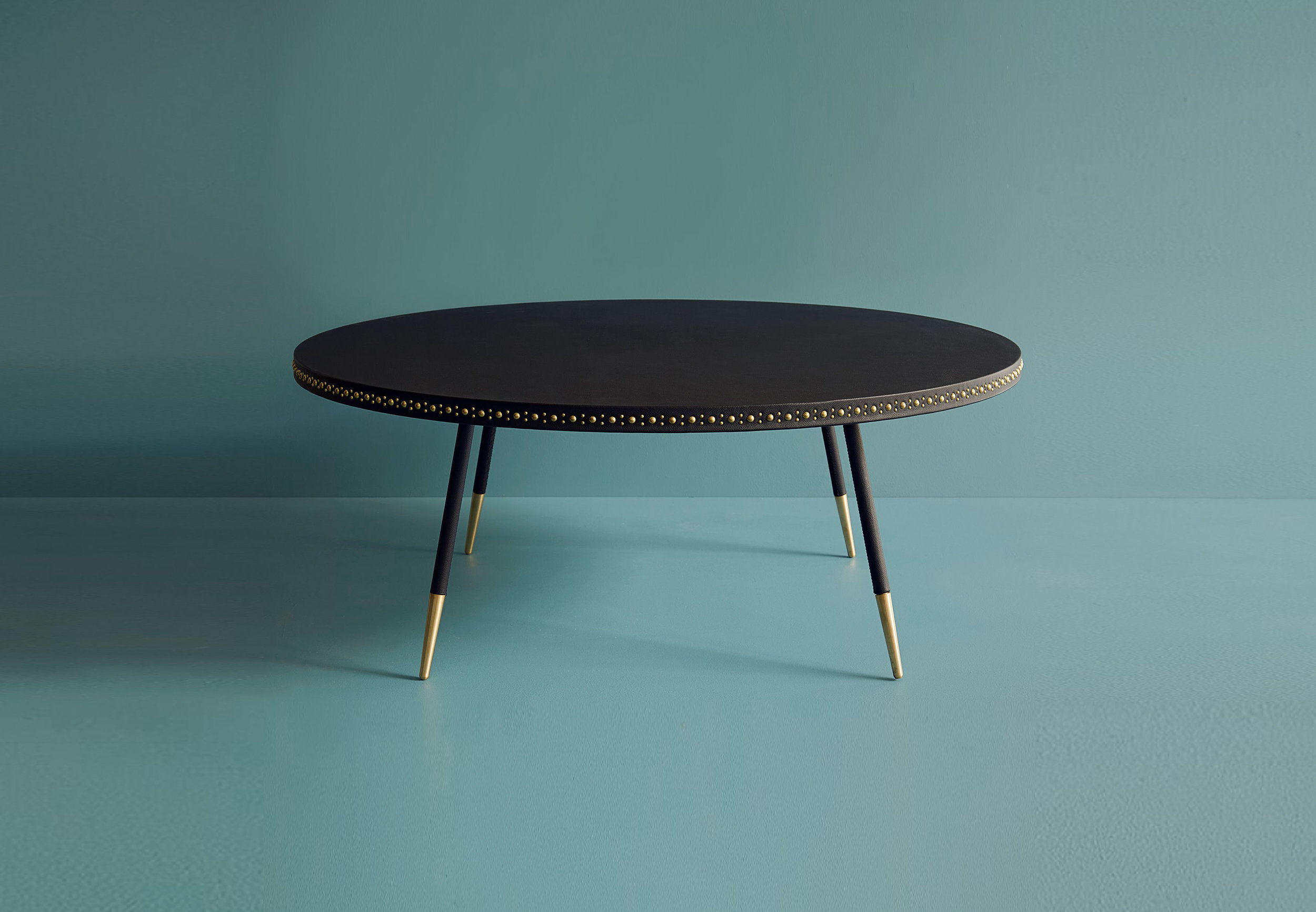 Stud coffee table / Bethan Gray