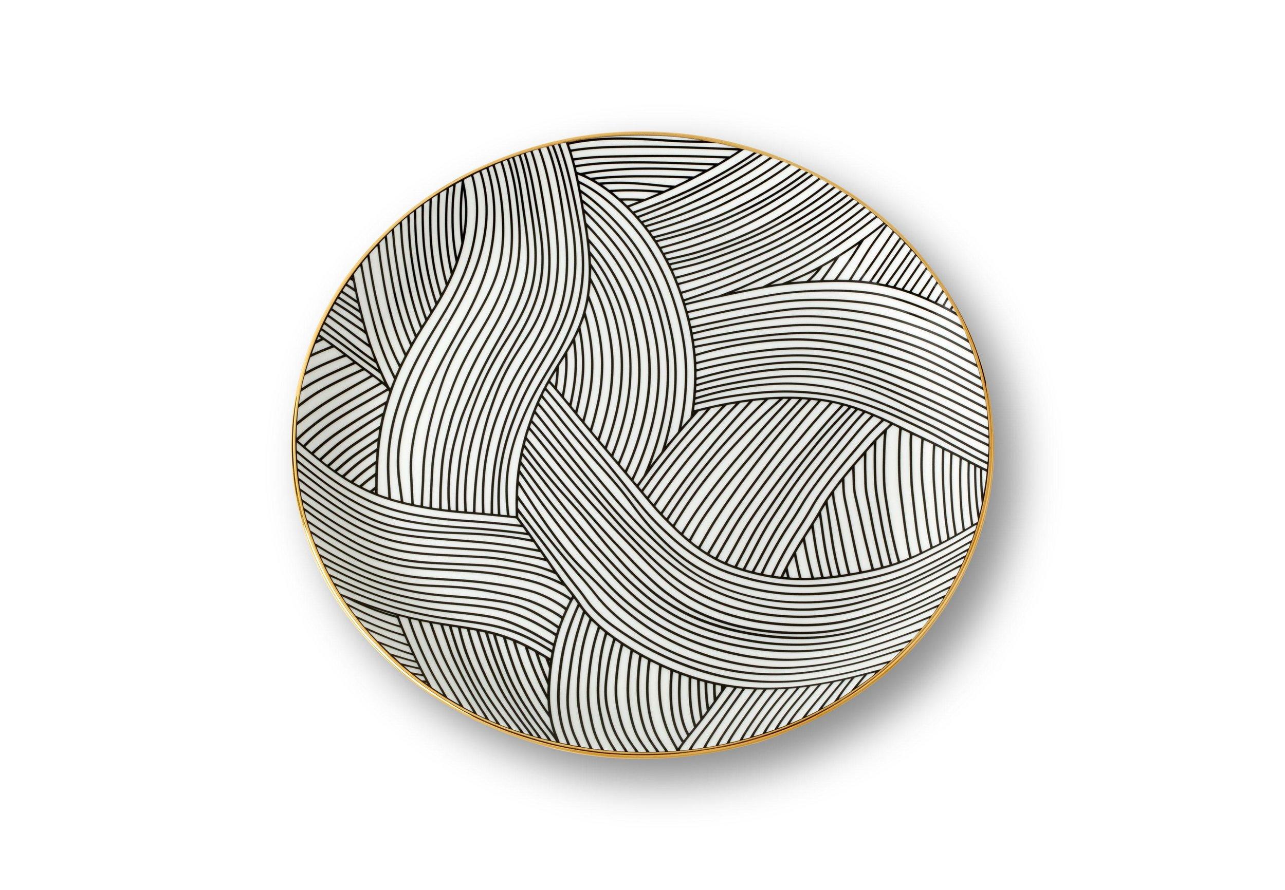 Lustre plate / Bethan Gray