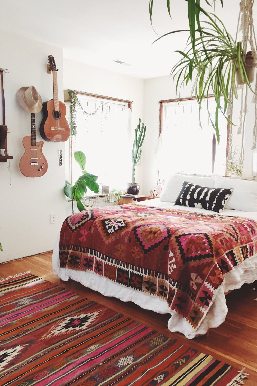 Californian style room (source: Pinterest)