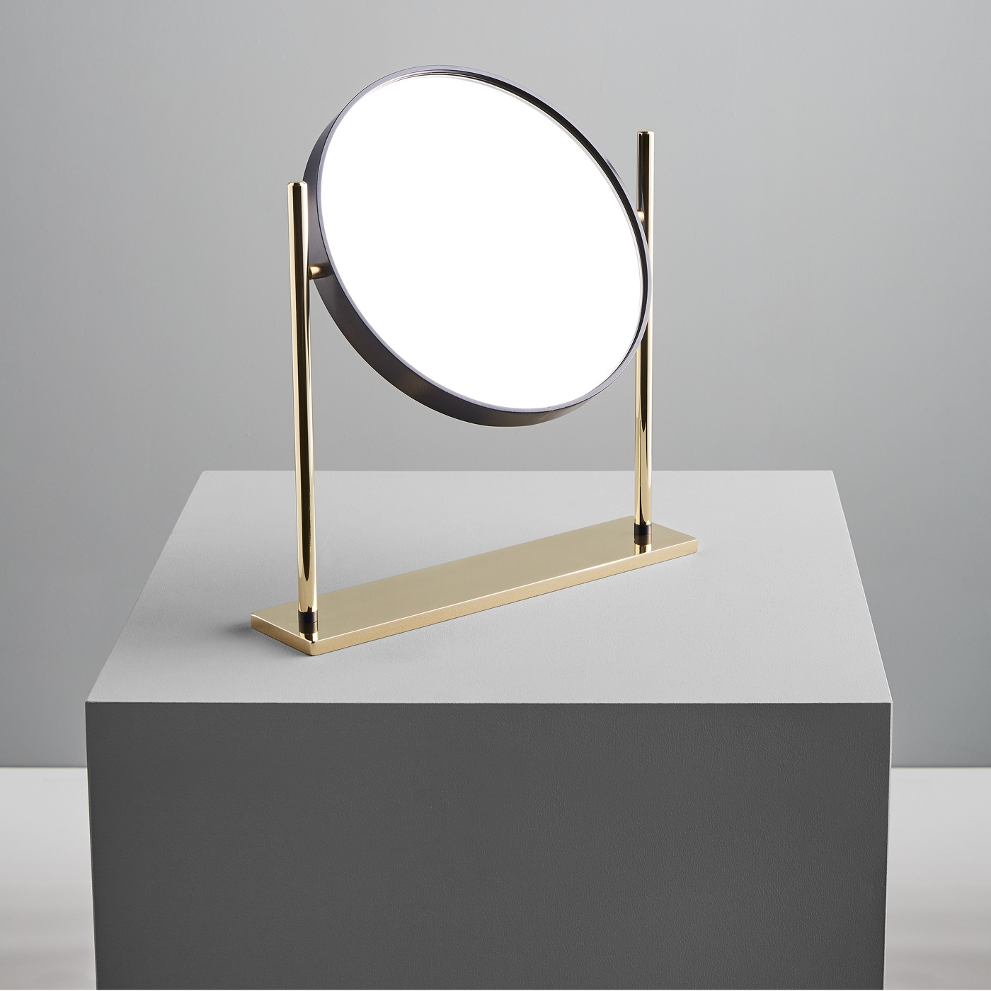 Mirrò, table mirror / Federica Biasi for Mingardo
