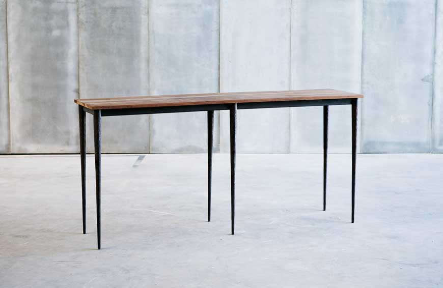 Bisbal, table / Herrenhuis