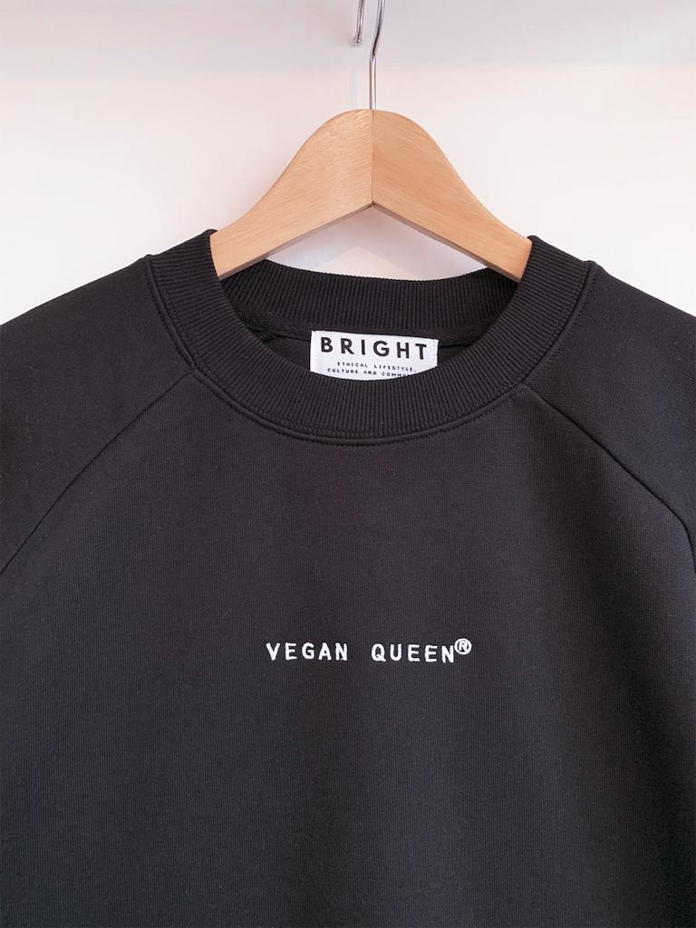 Vegan Queen Crewneck BLACK-detail.jpeg