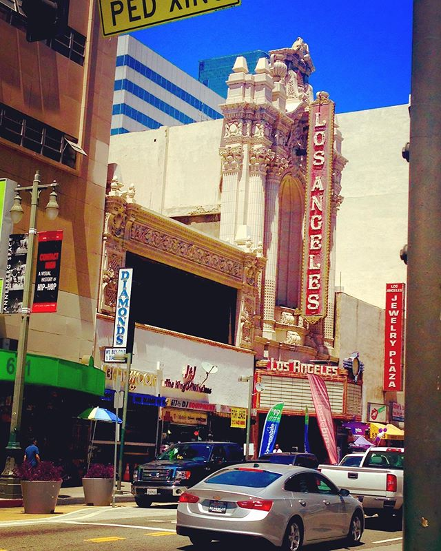 This is the way #old #moviehouse use to #be #today #photooftheday #summertime #citylife #hollywood #thejuanfernandez .. #actorslife #colorful #losangeles #thestreets