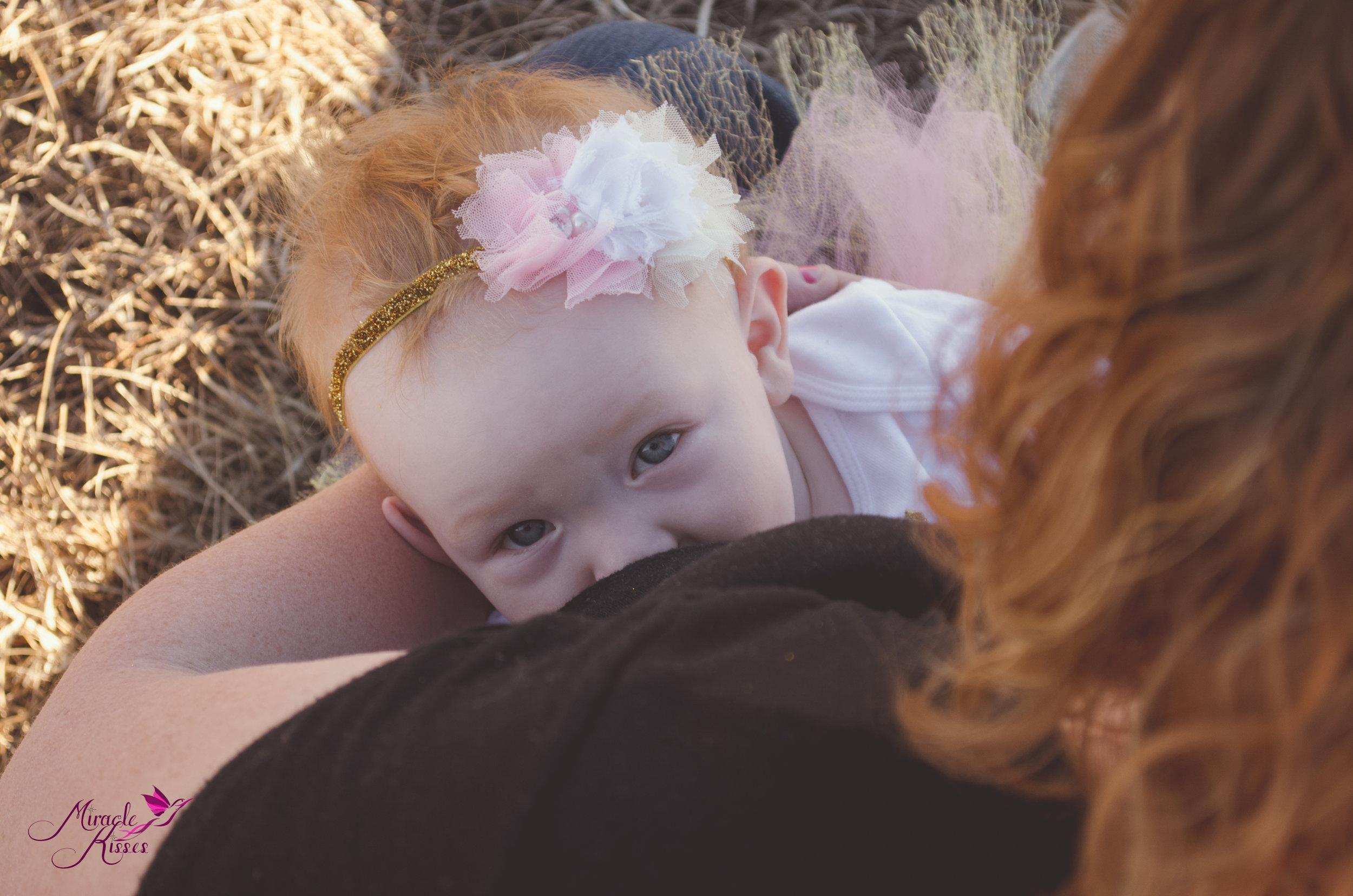 Milk peeping, Breastfeeding, Nursing in public