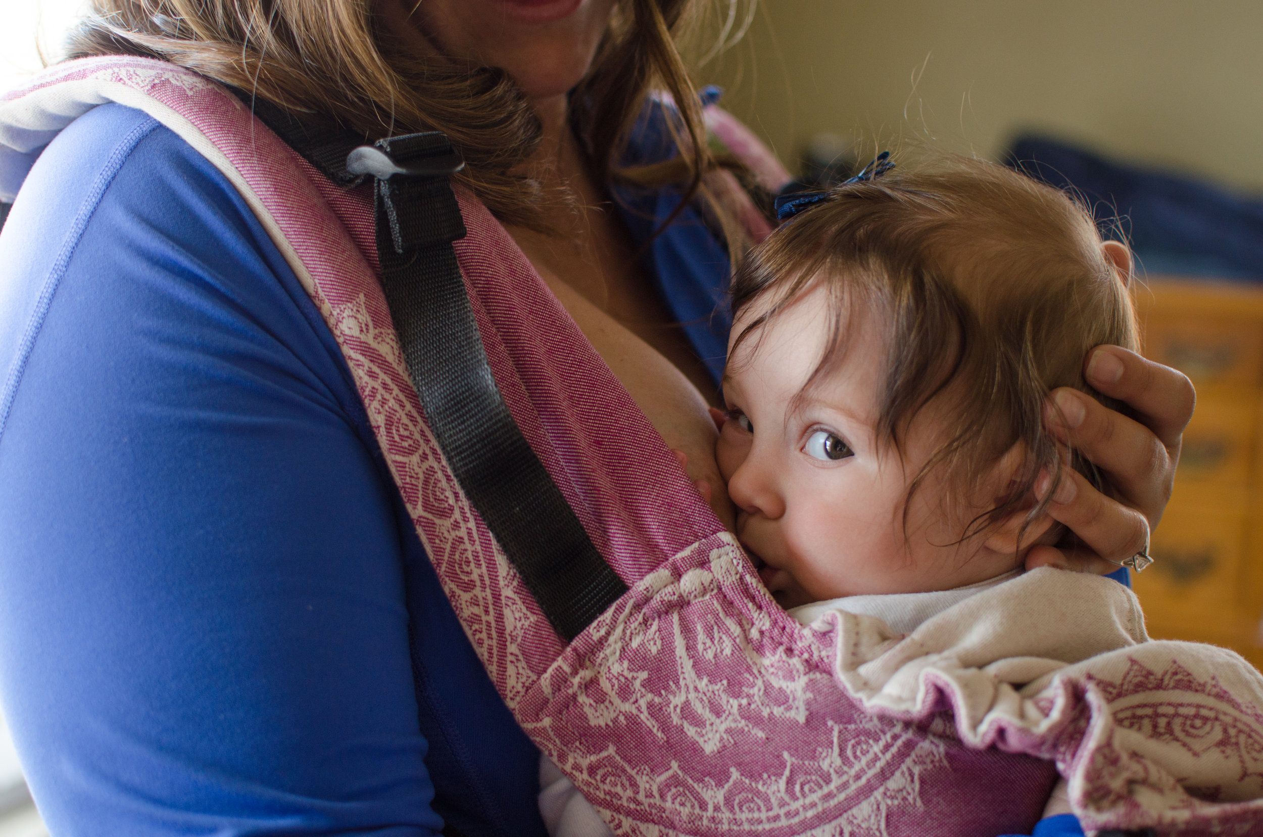 Babywearing, breastfeeding in wrap, wear my baby