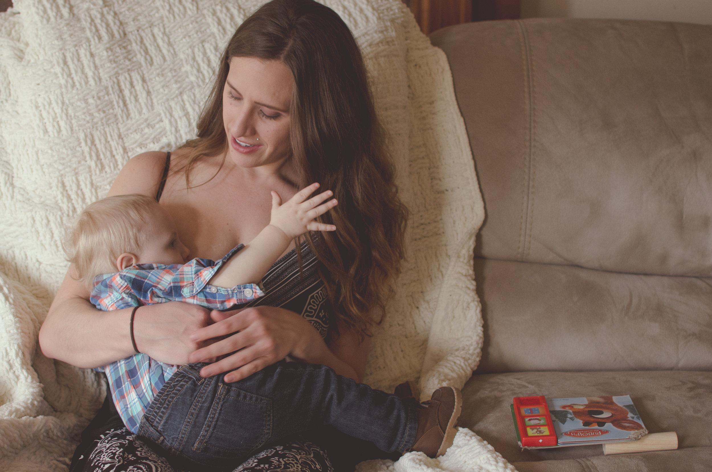 Distracted nurser, breastfeed indoors, extended breastfeeding