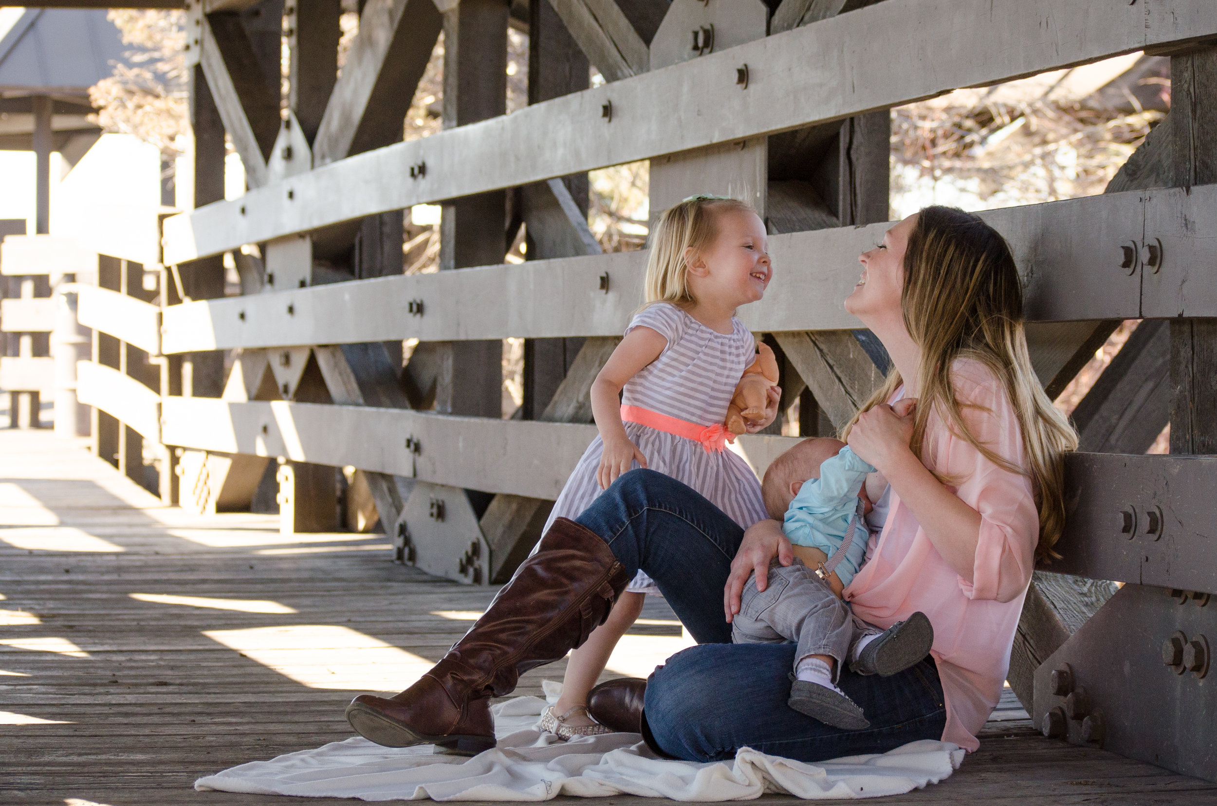 Breastfeeding in public, older sibling, love mommy, mommy and me