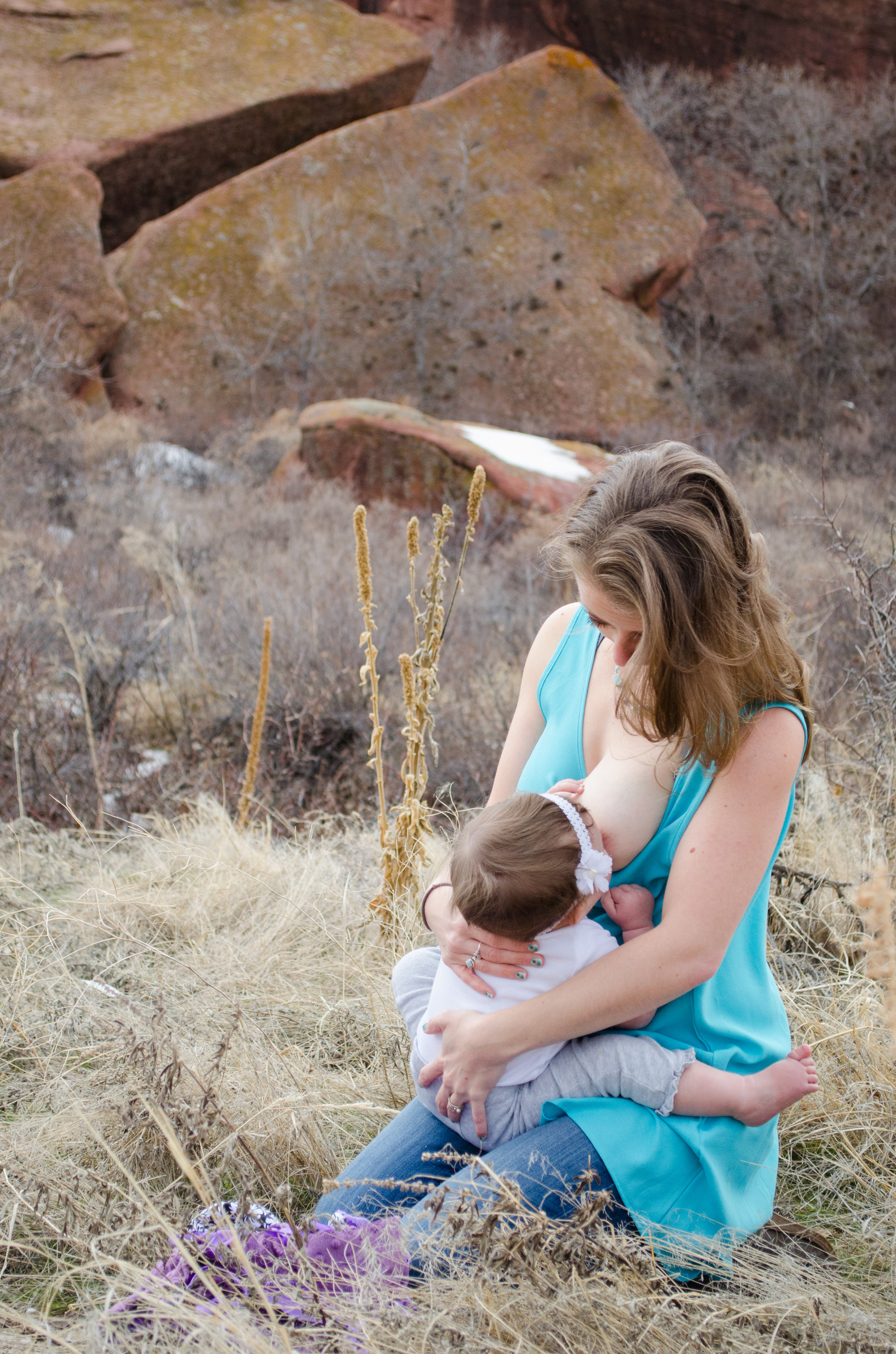 Red Rocks breastfeeding, sit up nursing
