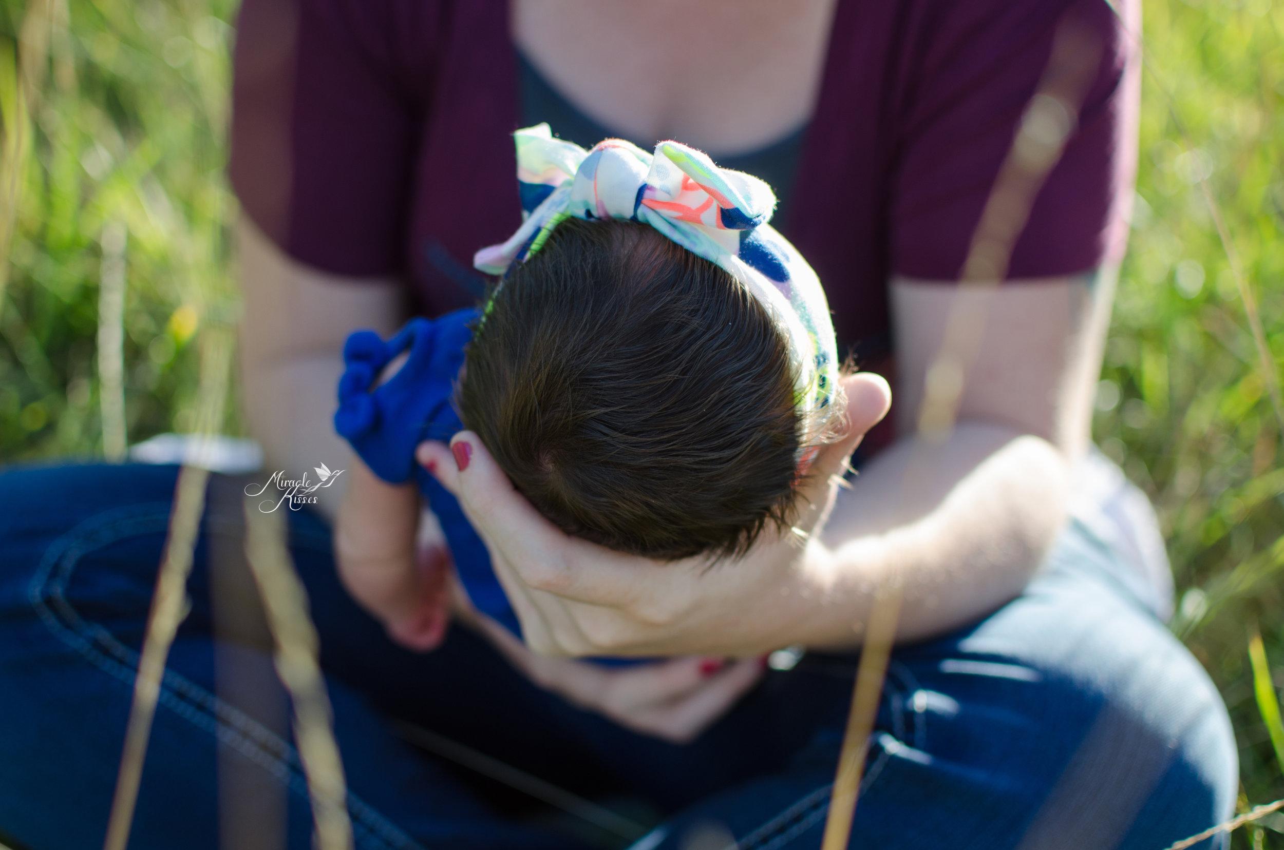 outdoor newborn photography, baby detail photo, newborn portrait