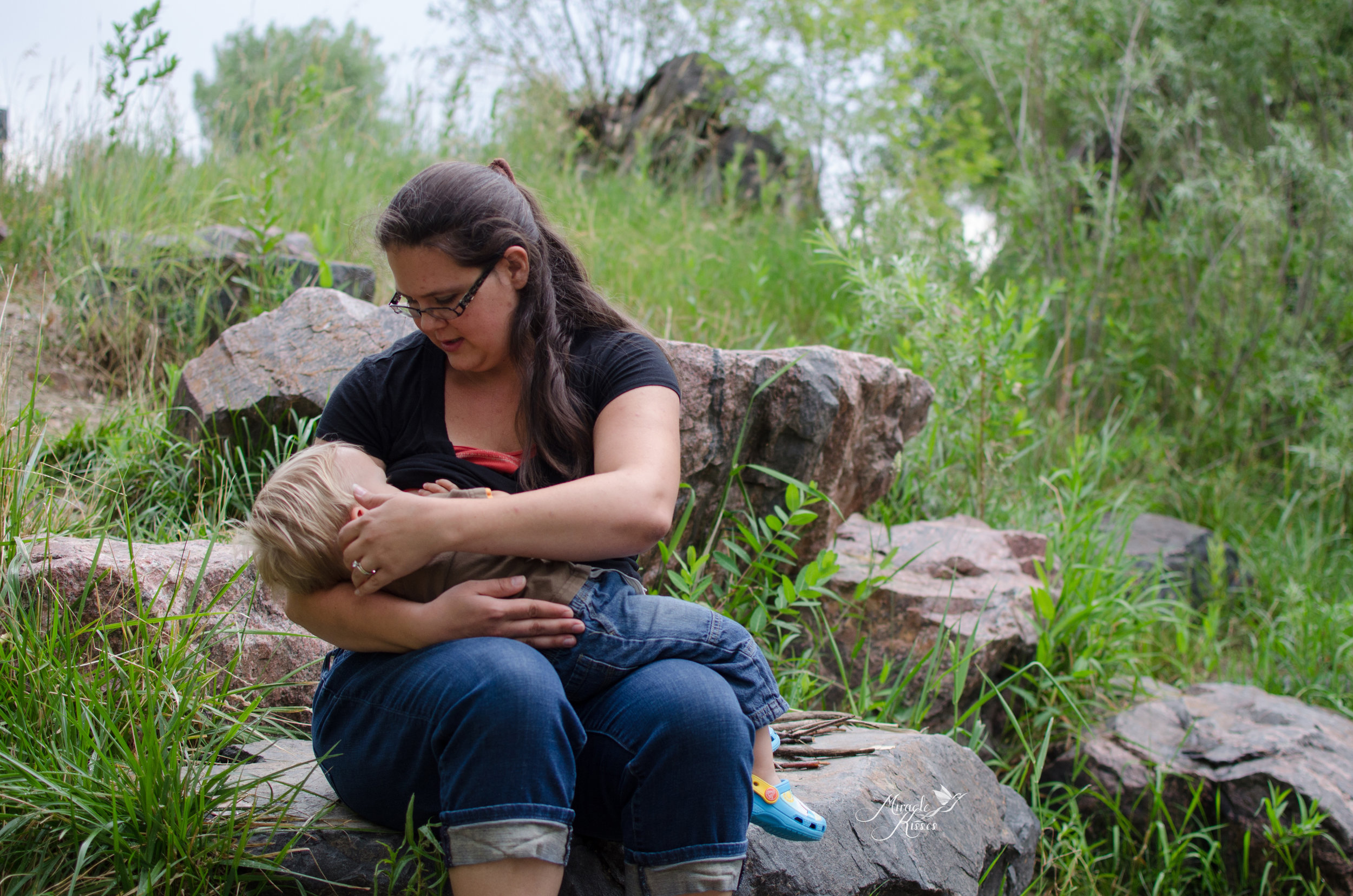 extended breastfeeding in public, outdoor photography, 31 days 31 stories