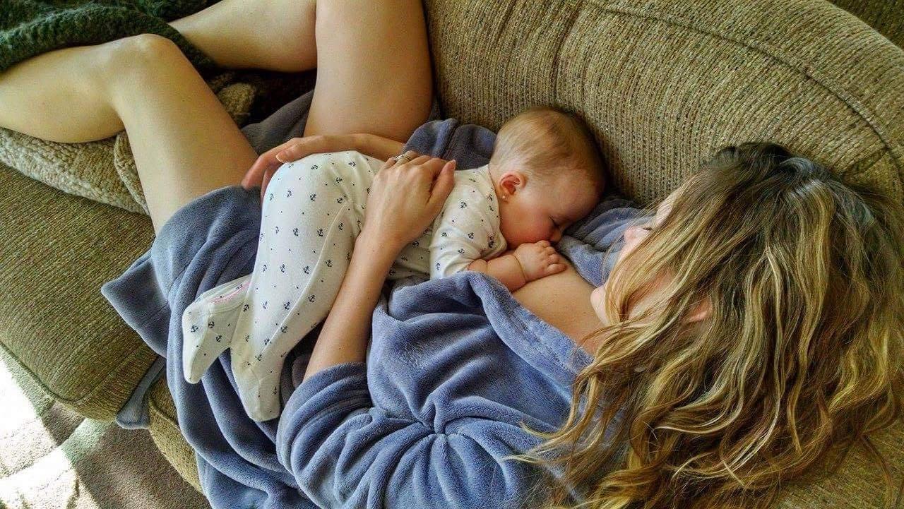 weekend breastfeeding, casual weekend, breastfeeding trouper