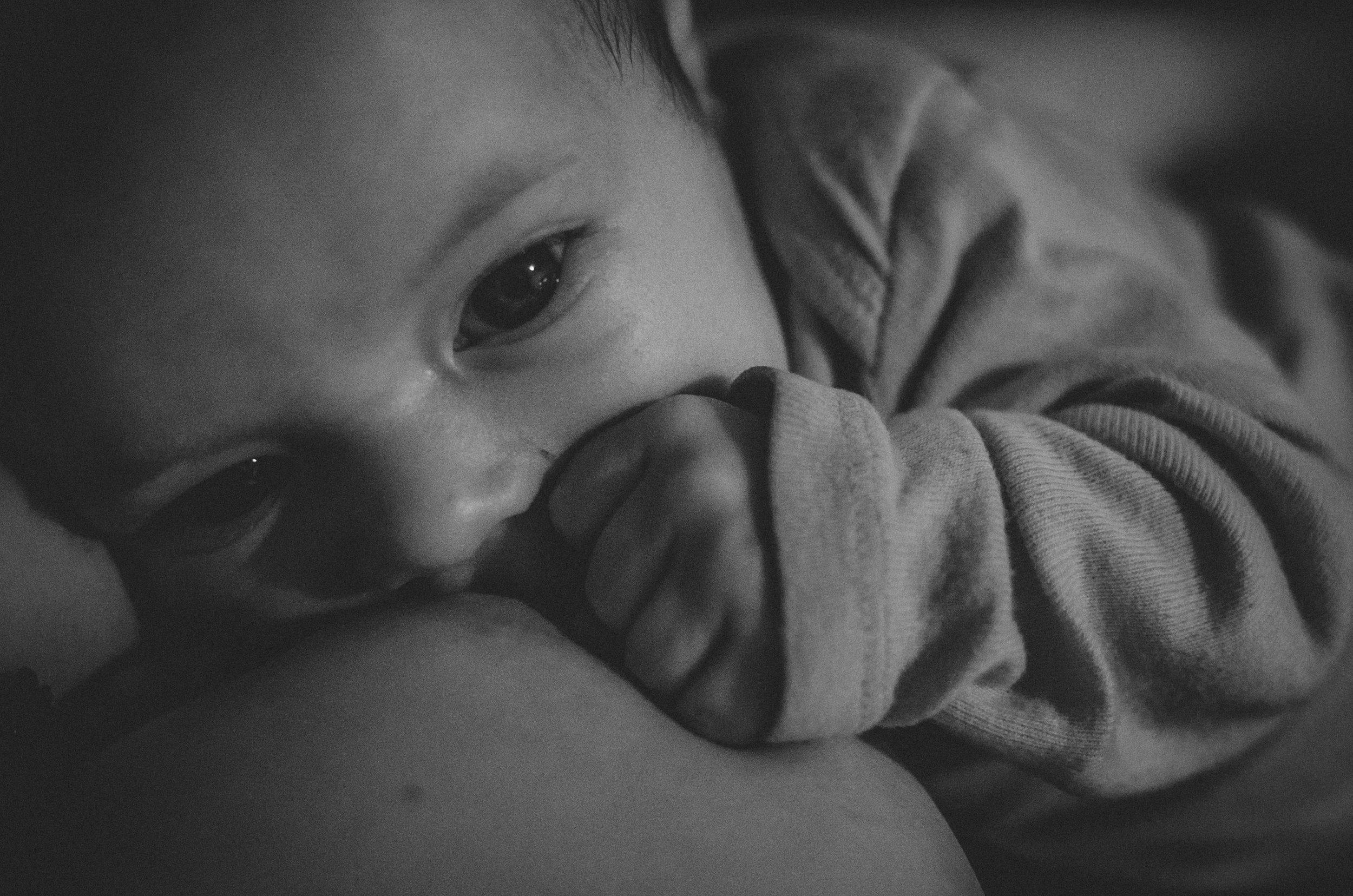 breastfeeding bond, real life mom photo