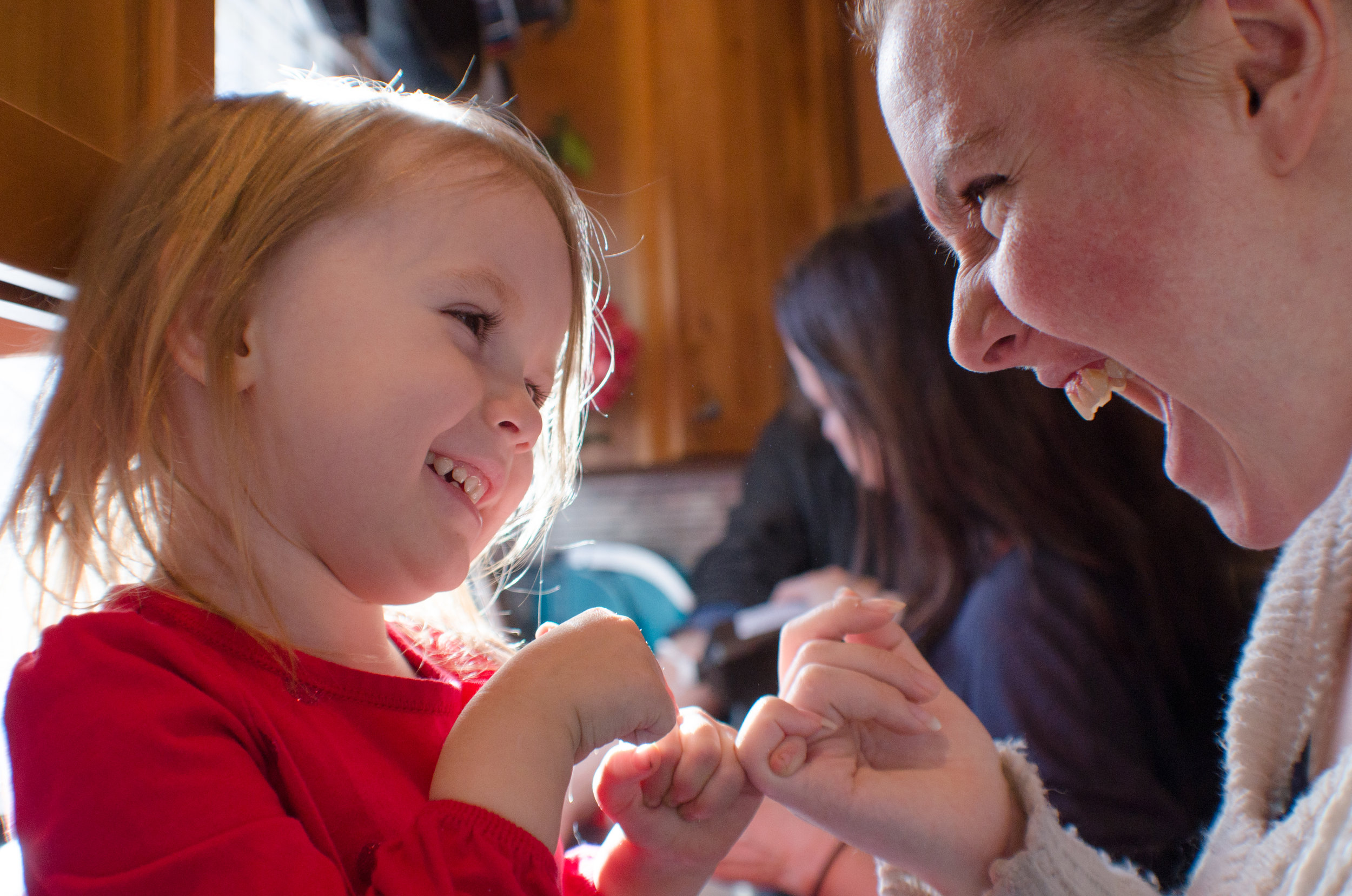 pinky promise, mother daughter day, motherhood in colorado