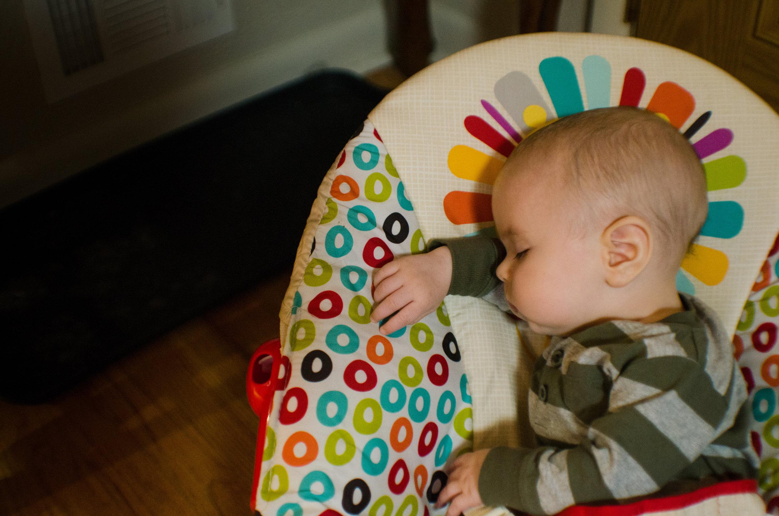 sleeping baby, sunshine, milestone lifestyle photography, miracle kisses