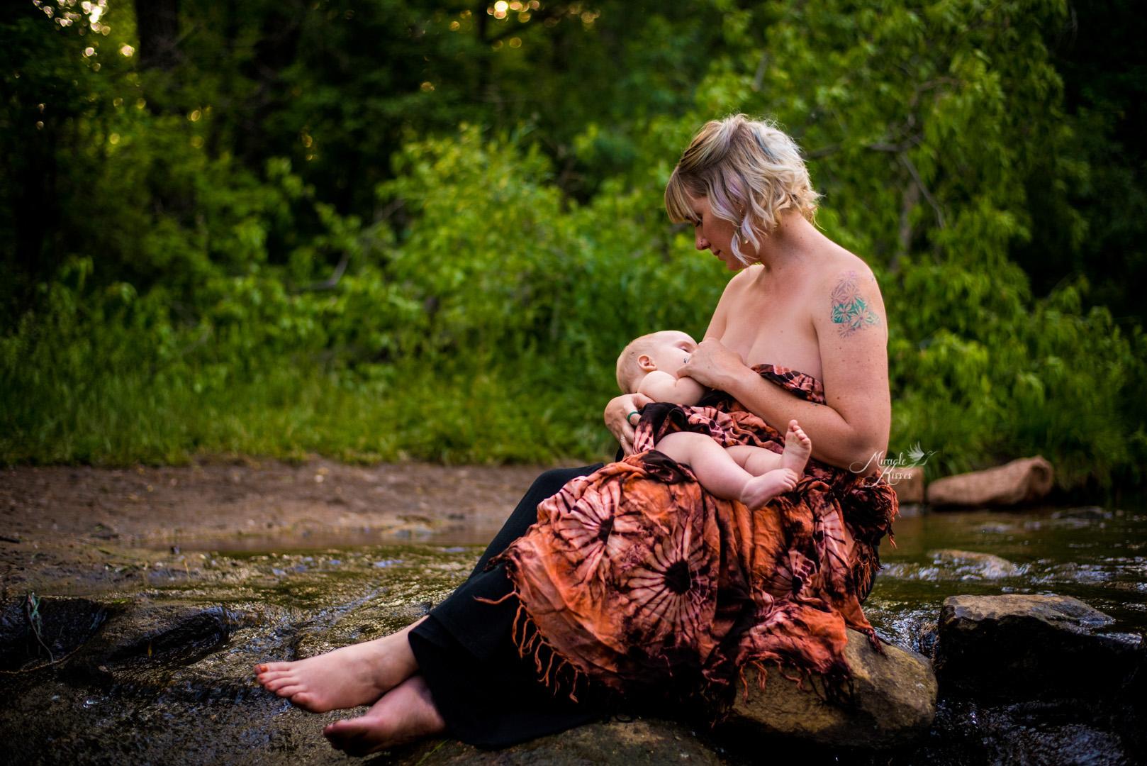 outdoor motherhood photo session, 31 days 31 stories, breastfeeding photo