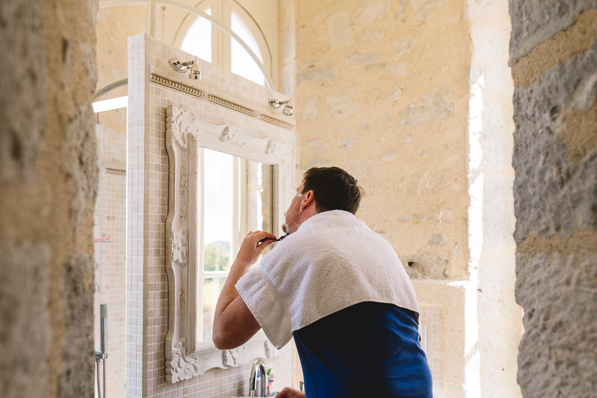 Groom prep at Chateau Lasfargues in france