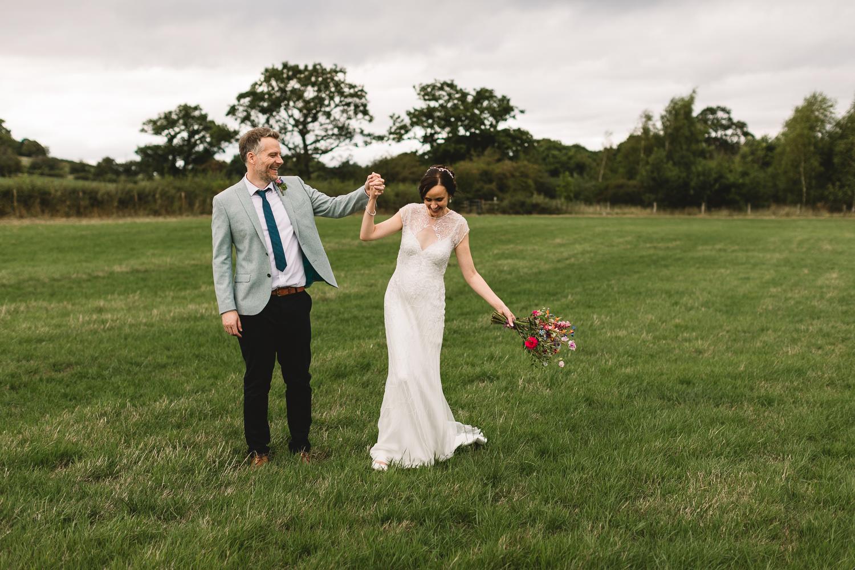 Jackie-Brent-Tipi-Wedding-Sneak-Peek-28.jpg