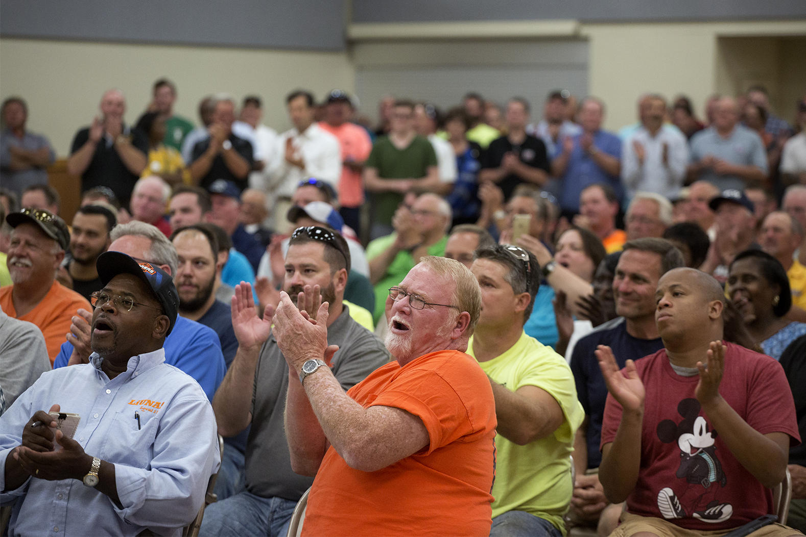 Photo of International Brotherhood of Electrical Workers Hall meeting in St. Louis (Carolina Hidalgo/St. Louis Public Radio)