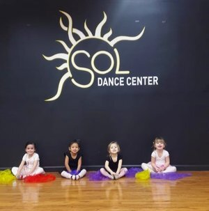 Baby Ballet - Ages: 2.5 to 4 yrs oldBaby Ballet class is an efficient way to introduce young minds to the ballet world.The children will start learning the techniques, space notion, corporal conscience, musicality and socialization. And of course they will always explore their imagination while having fun.Saturday 10-11 AM
