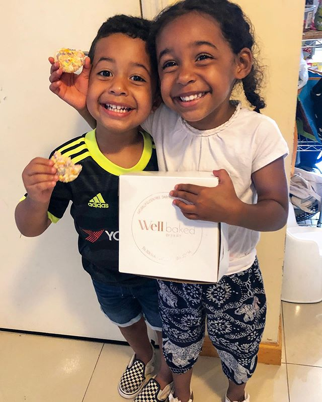 1️⃣How much can you tell these cuties love each other? #twinning  2️⃣Clean treats✔️ 3️⃣Brand Ambassadors ✔️😂 #organic #vegan #sugarcookies . . . #twins #momapproved #smile #mommyhood #brotherandsister #eatclean #healthyeating #nutrition #longisland #newyork #eeeeeats #babies #womeninbusiness #cookies #foodstagram #healthylife #plantbased #paleo #kids #mommy