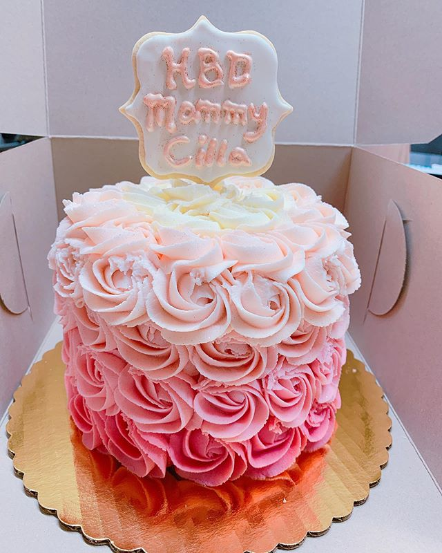 Happy Birthday to literally my #1 client💕 @priscillabgould xoxo, J And amazing work Sara, my talented new baker! Melissa and I are thrilled to welcome you to the team! #womeninbusiness #bossbabe . . . #ombre #rose #rosettecake #pink #hbd #birthdaygirl #birthdaygirl #entrepreneur #womensupportingwomen #pastrychef #vegan #glutenfree #longisland #ny #cakes #plantbased #friyay #vanilla #foodphotography