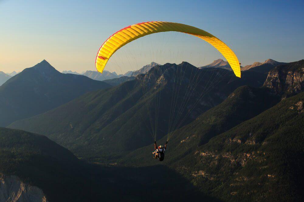 Golden-BC-activities-paragliding-1.jpg