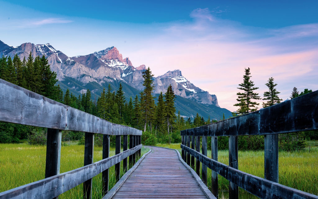 Cycle between Canmore and Banff -