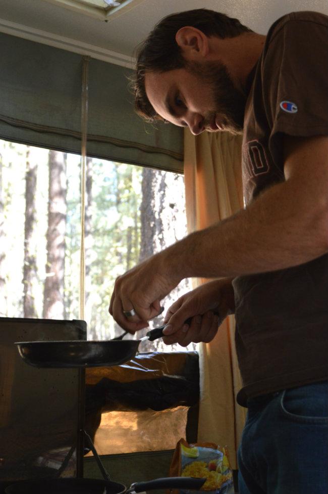 Camper Cooking   CaretoPair.com