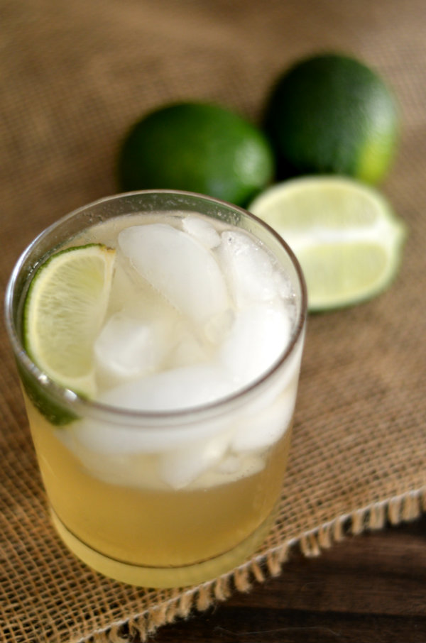 The Foghorn Cocktail: Gin, Lime Juice, and Ginger Beer | CaretoPair.com