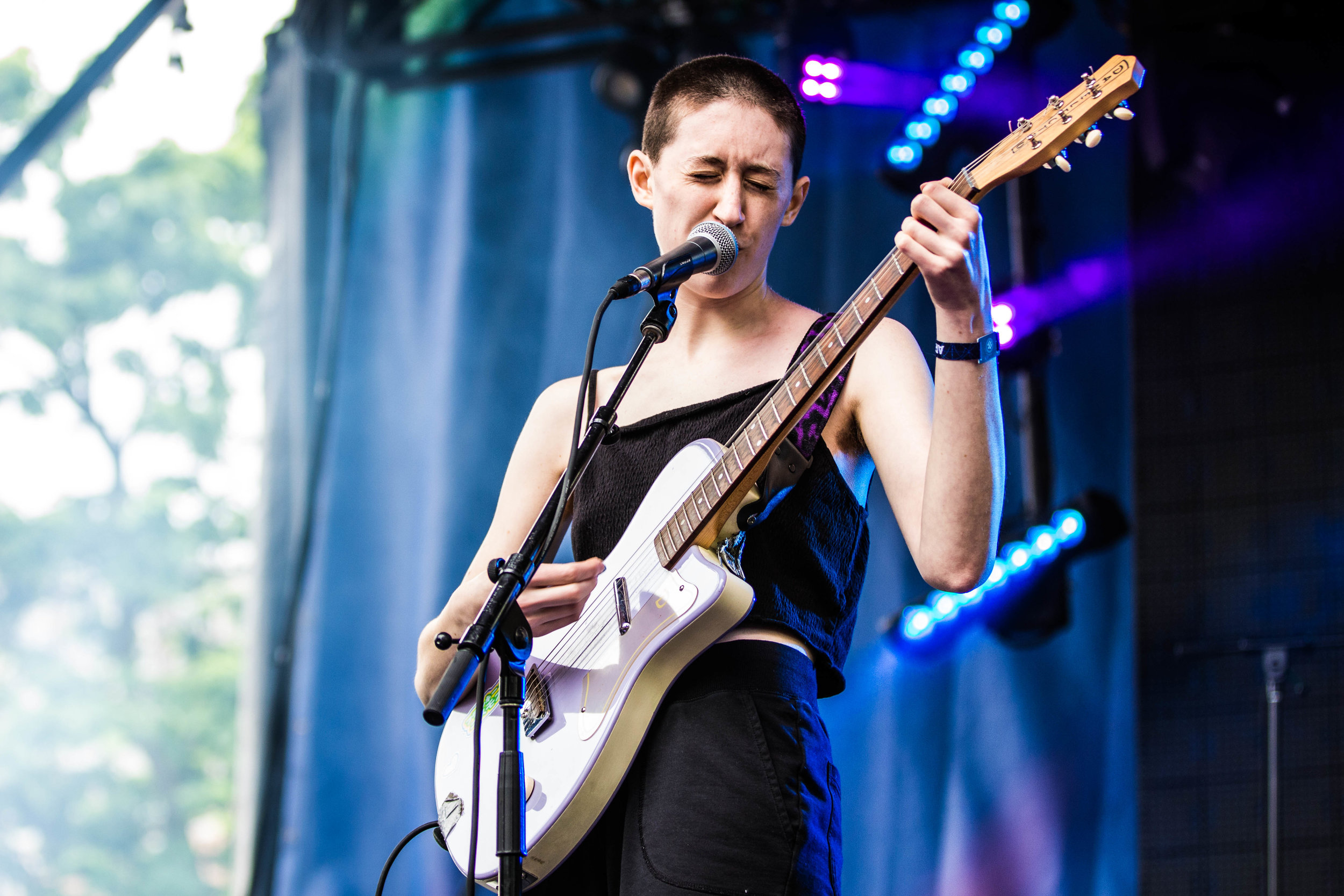 Great Kline, AKA Frankie Cosmos playing her heart out