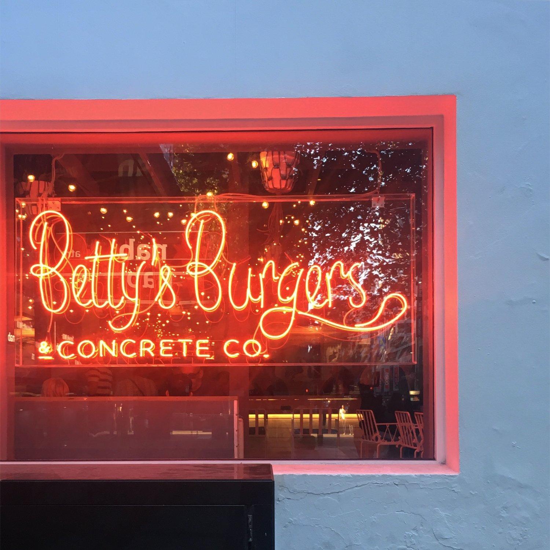 betty'sburgers.jpg