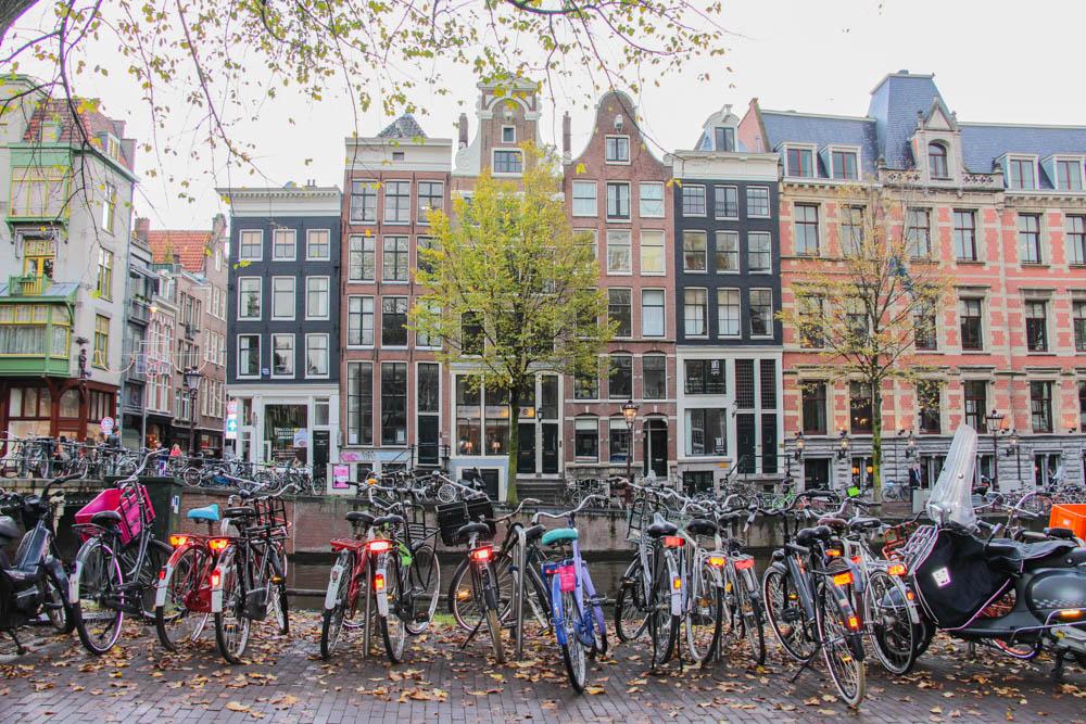 amsterdam-rent-a-bike.jpg