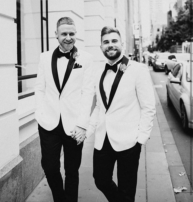 Happy first anniversary, darls! Nobody does a white tux like you two 😍 @eggbort @cdonnellon And more gorgeous photos from @hellochloemay