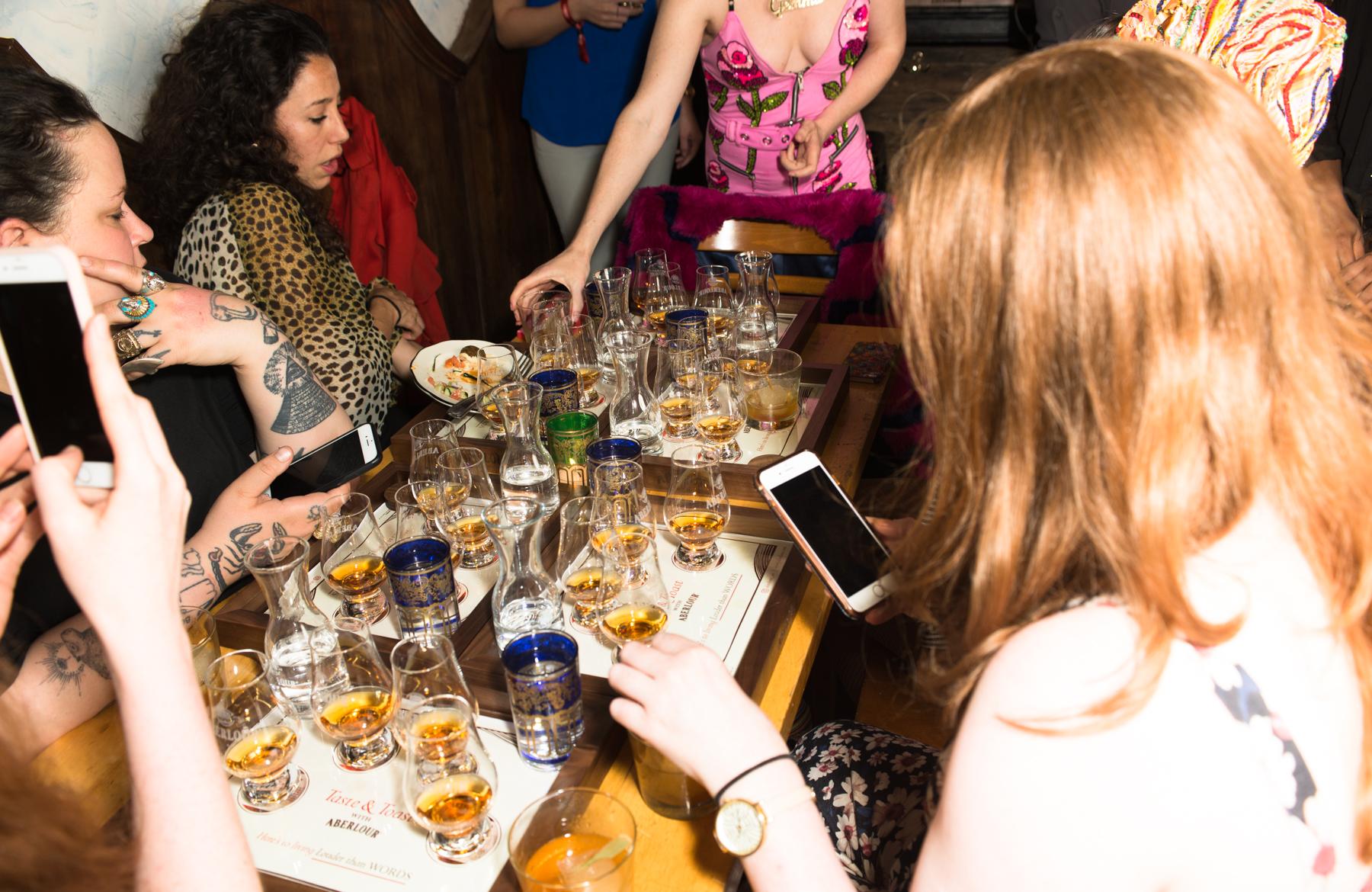 The-Scarlet-Bob-Aberlour-Whisky-2
