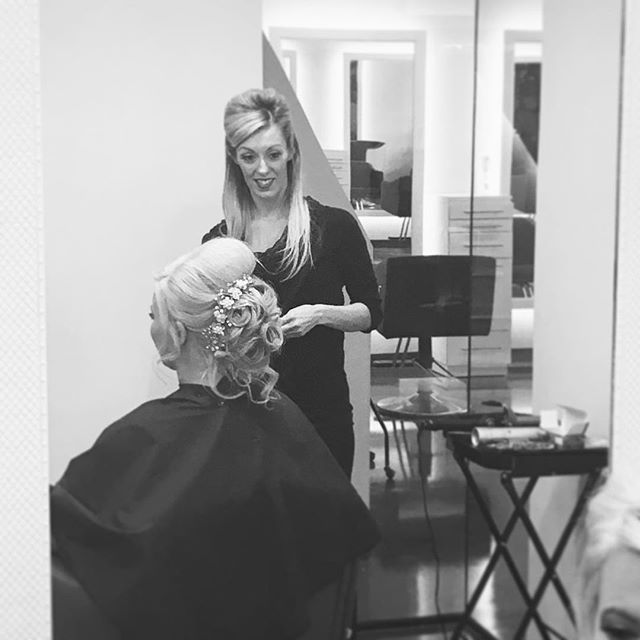 Attention to detail = Perfection! #edmond #hermosasalonokc #hermosaedmond #hairdesign #haircrush #weddinghair #updo @hermosa.salon with Tiffany