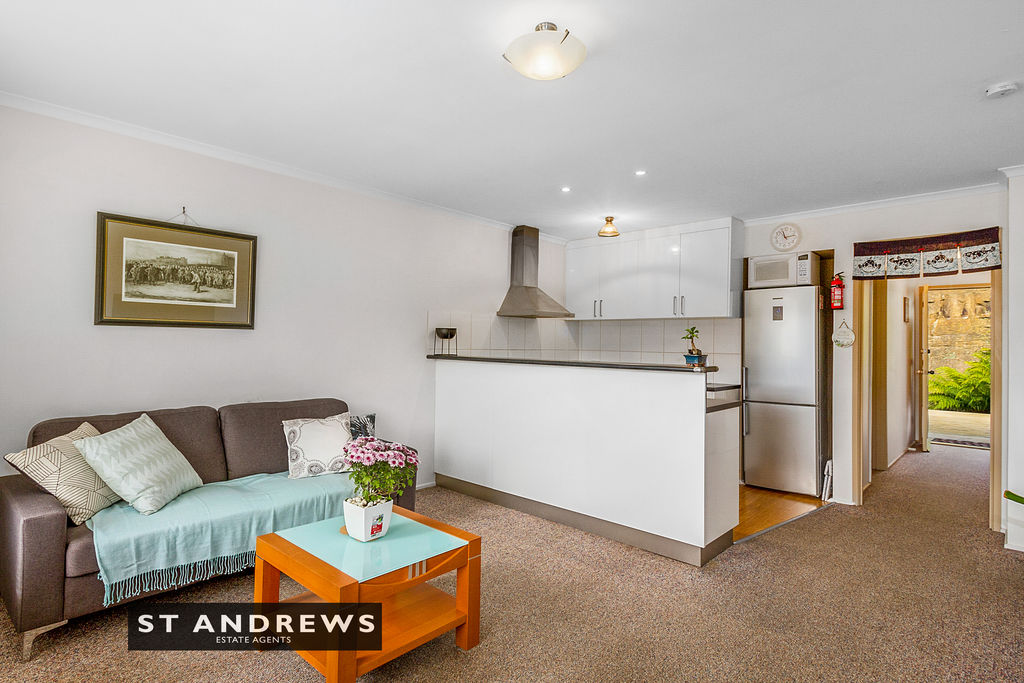 006_Open2view_ID511814-3_32_Cato_Avenue__West_Hobart.jpg