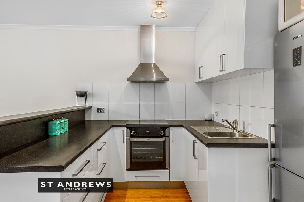 009_Open2view_ID511814-3_32_Cato_Avenue__West_Hobart.jpg
