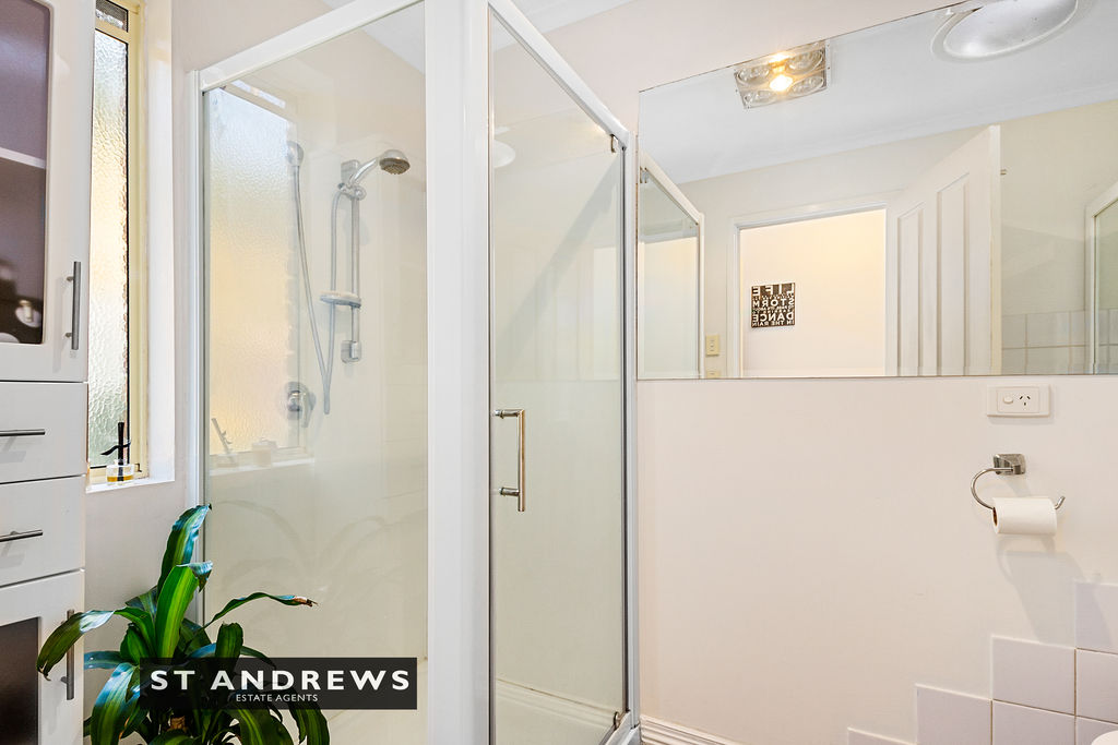 013_Open2view_ID511814-3_32_Cato_Avenue__West_Hobart.jpg