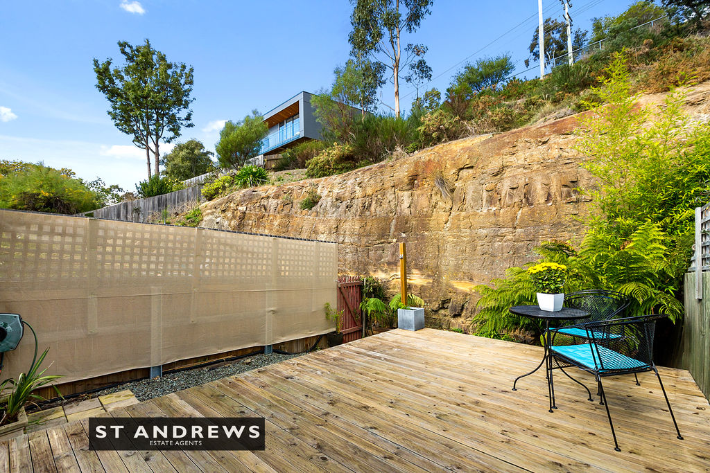 017_Open2view_ID511814-3_32_Cato_Avenue__West_Hobart.jpg