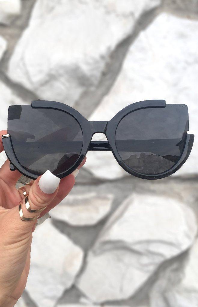 black_sunglasses_side_1024x1024.jpg