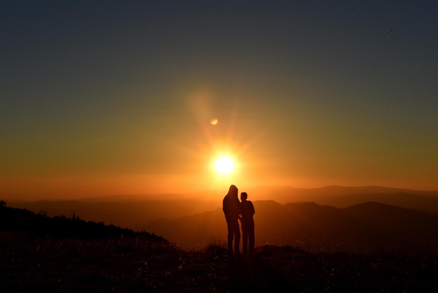 Couple Sunset1400.jpg
